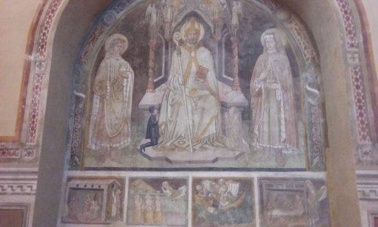 Монти, Италия: St Nicholas enthroned with Saints Cosmas and Damian, and the patrons (by Niccolo da Segna's Scho