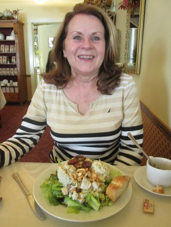 Benicia, Californie : lunch with good friend.....four item salad