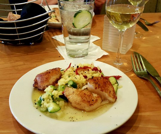 Delafield, WI: delicious scallops for lunch!!