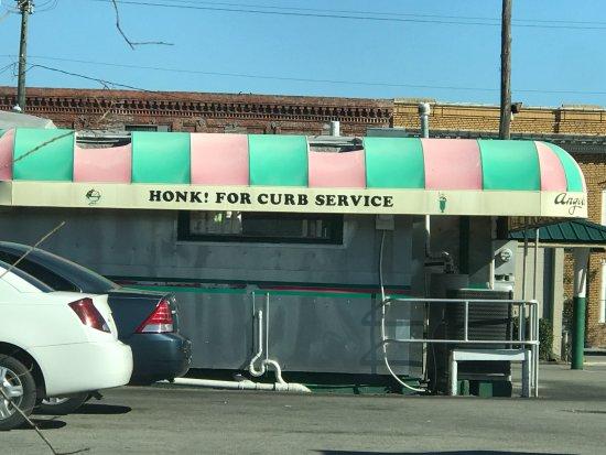 Palatka, FL: Honk!!!!