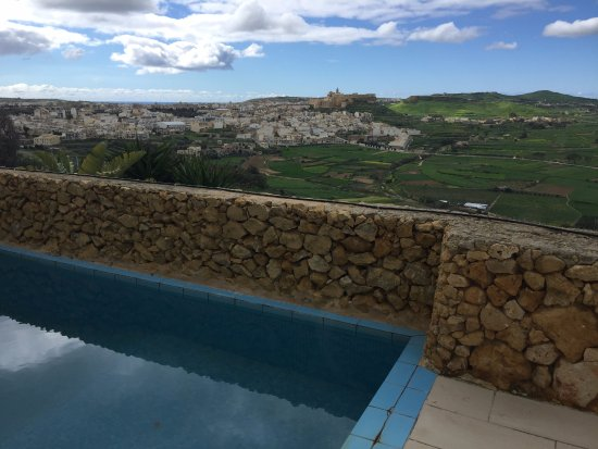 Bellavista Farmhouses Gozo: Private pool with view overlooking Victoria