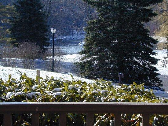 Chetola Resort at Blowing Rock: Beautiful view from our porch looking at Chetola Lake