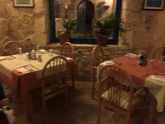 Sannat, Malta: interior decor