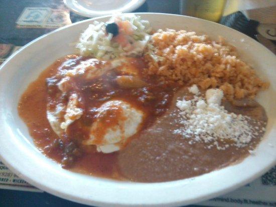 El Ranchero Restaurant: huevos rancheros plate