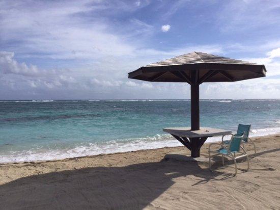 New Castle, Nevis: Part of the beach area near the beach bar
