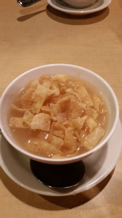 Leongs Asian Diner: Egg drop soup