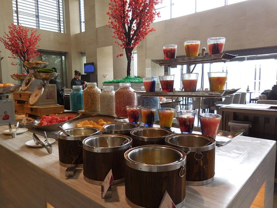 Xuzhou, China: Fresh fruit selections