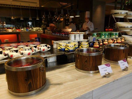 Xuzhou, China: Yogurt selections