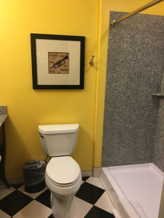 Opelousas, LA: Room 401