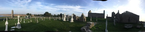 County Offaly, Ireland: Clonmacnoise