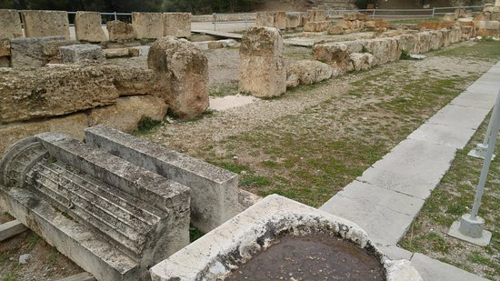Epidavros, اليونان: in front of the theater