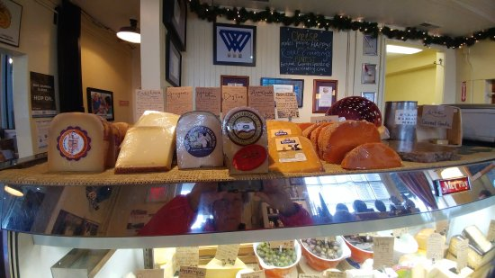 Central Point, OR: Just a few of the cheeses