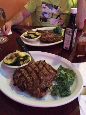 Shamrock, TX: Тот самый стейк! В меню обозначен как Market Price Steak.