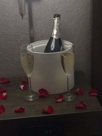 Paragould, AR: Romance package