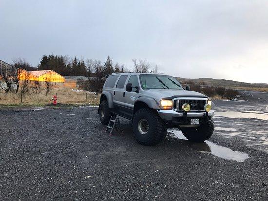 Hafnarfjordur, Island: super jeep