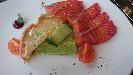 Groot-Bijgaarden, Belgium: Saumon gravadlackx , gelée de concombre