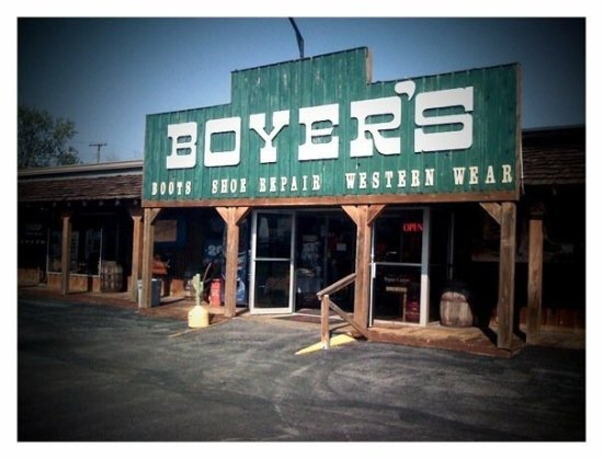 ‪Boyer's Western Wear‬