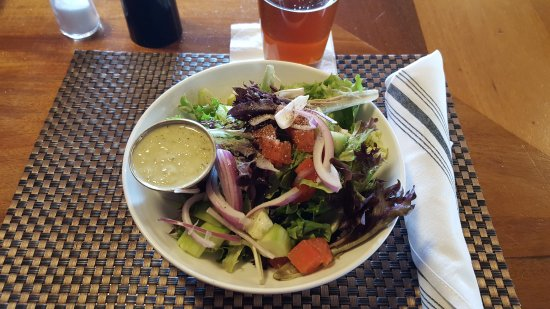 East Longmeadow, MA: Fresh Salad