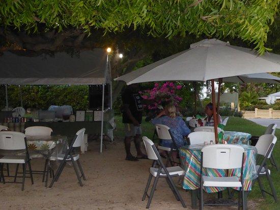 Gun Bay, Gran Caimán: Eating area