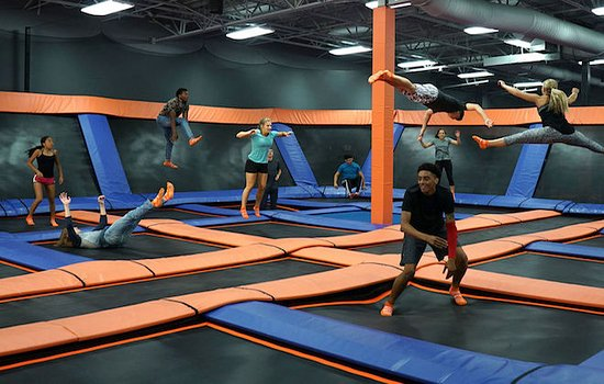 ‪Sky Zone St. Catharines‬
