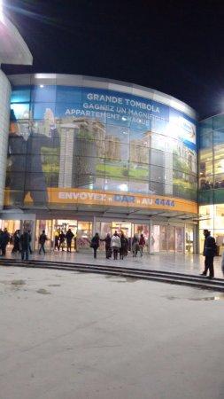 الدار البيضاء, المغرب: Shopping à beira mar!