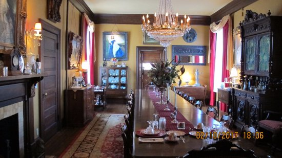 The Reynolds Mansion: The Dining Room