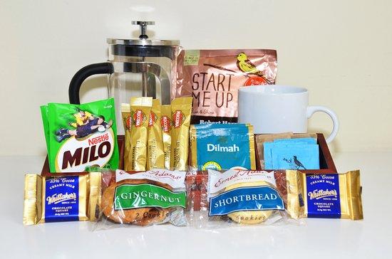 Celtic Motel: Tea, coffee & snacks in room