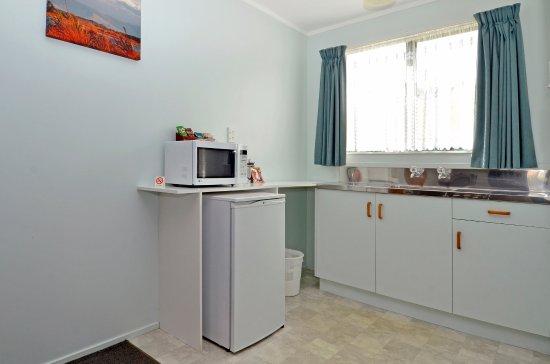 Celtic Motel: Studio Unit - kitchenette