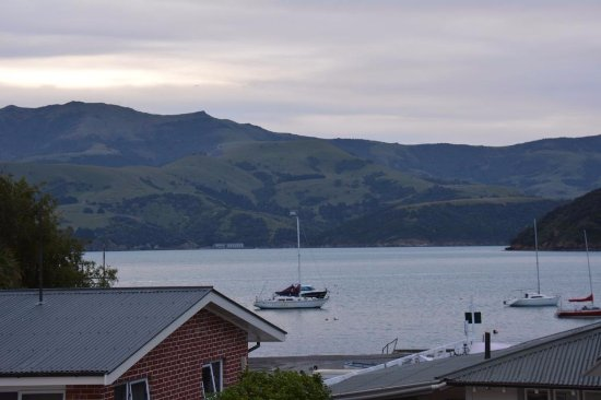 Akaroa Criterion Motel: Taken just after dusk.