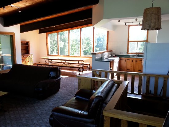 Tyrolean Village Resort at Blue Mountain: Large common area