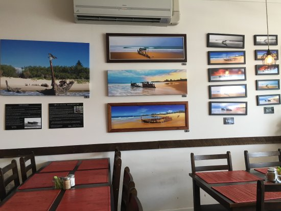 Yummy food from the quite cafe opposite dicky beach. Would love to try at night time when the ho