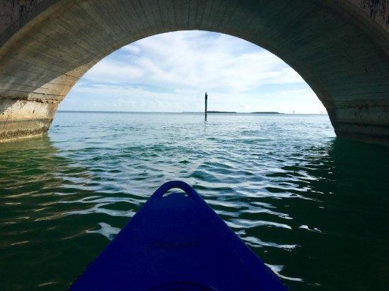 Summerland Key, FL: Going under the bridge.....