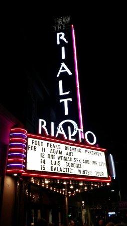 Rialto Theatre: Front of theater