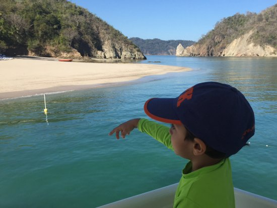 Herradura, Costa Rica: Arriving at the island, no one there