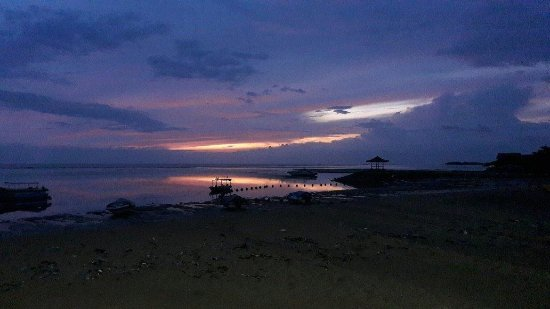 Tanjung Benoa, Indonesia: Sunrise on the way to the boat.