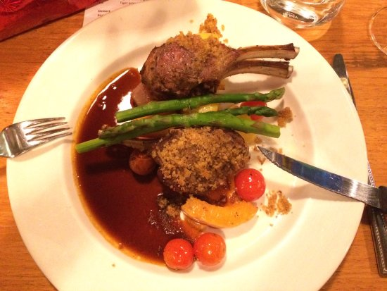 Guildford, Australië: Herb crusted grilled lamb racks