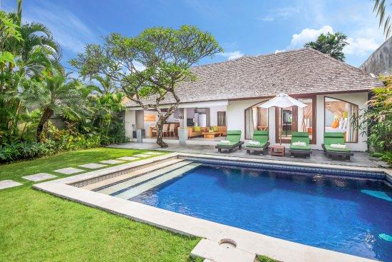 Serene Villas: Pool Serene Hibiscus