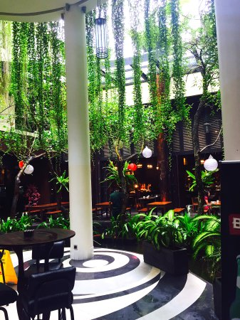Swiss-Belhotel Rainforest: Swiss bellin forest lobby