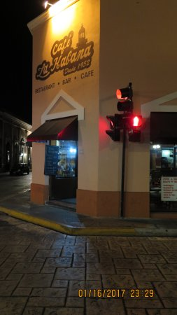 Cafe la Habana : View of the exterior - the entrance.