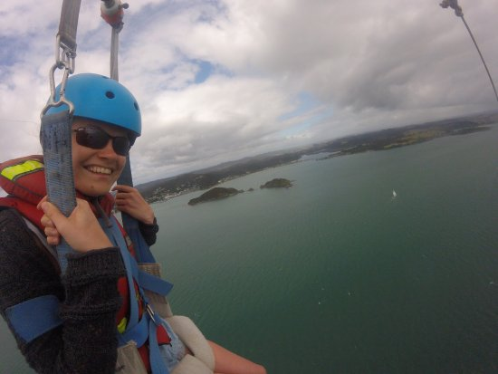 Flying Kiwi Parasail: Fantastic view over the bay of islands. You can really see the size and scope of the place. Staf