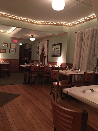 Chester, VT: Quiet night - Dining Room at The Free Range