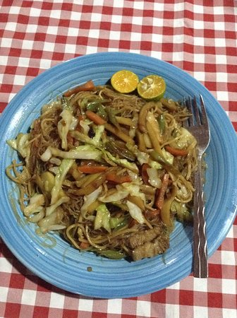 Ysabelle Mansion: pancit