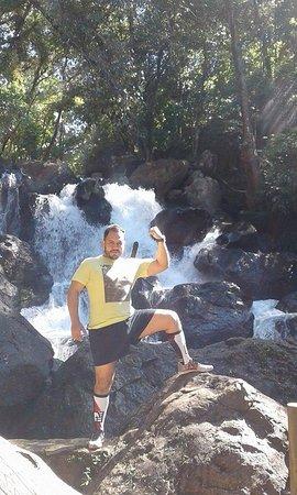 Mision Grand Valle de Bravo: Camino del sendero a orilla del rio