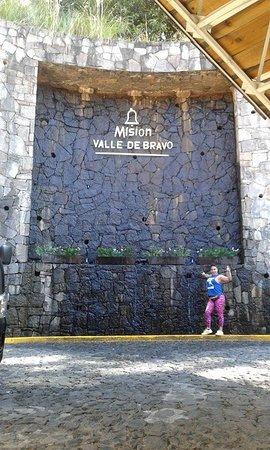 Mision Grand Valle de Bravo: Acceso principal