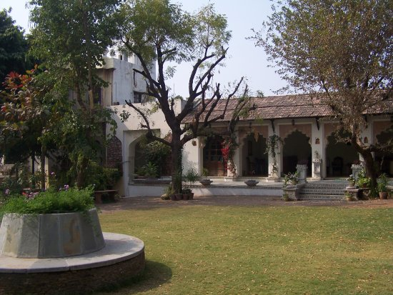 Castle Bijaipur: inside the grounds of the hotel