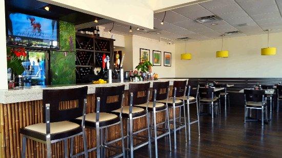 Basilic Vietnamese Grill: Bar