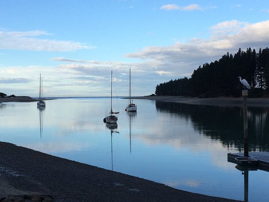 Mapua, New Zealand: View from our table at Jellyfish, first evening here. The food was as good as the scenery!