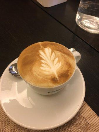 Nuovo Albergo Italia: Ottima colazione con un super cappuccino