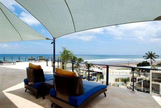 FuramaXclusive Ocean Beach: Penthouse Balcony