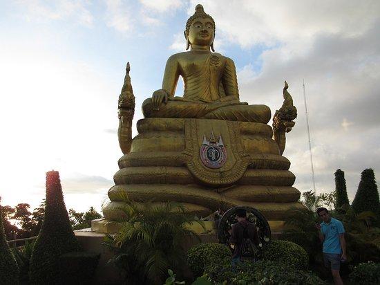 Chalong, Thailand: Buddha in bronzo